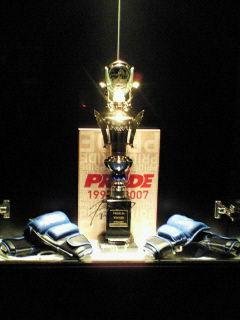 PRIDE.34勝利者トロフィー&シウバ&ショーグンサイン入りグローブ&石田選手サイン入りパンフ
