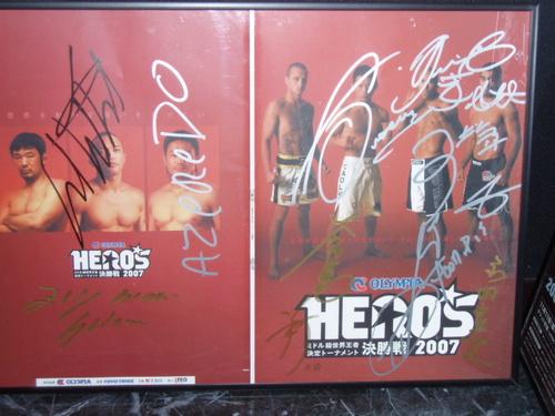 HERO'S サイン入りパンフ